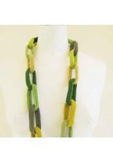 Collier chaîne, anneaux crochetés, jaunes et verts