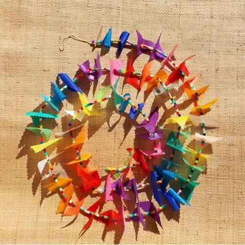 Guirlande tissu de spinnaker et perles multicolores n°5