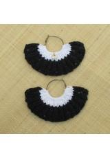 Boucle d'oreille éventail noir à paillettes et blanc