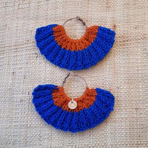 Boucles d'oreilles éventail bleu éléctrique et ocre rouge