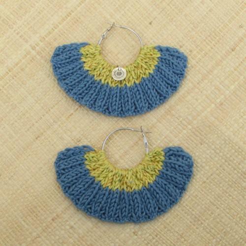 Boucles d'oreilles éventail bleu gris et curry irisé