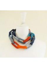 Sautoir chaîne, anneaux crochetés, bleus et orange
