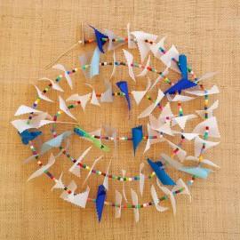 Guirlande tissu de spinnaker et perles multicolores n°8
